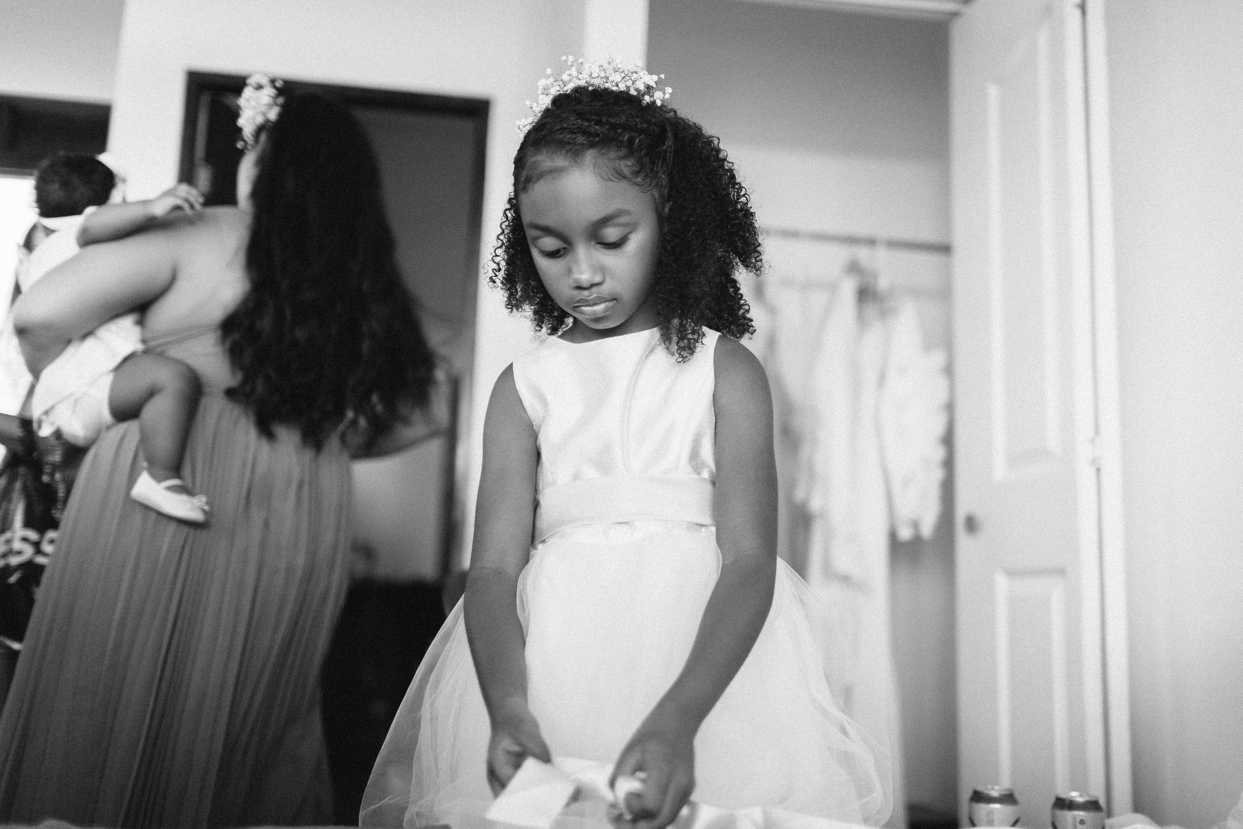 wedding portrait of a pretty girl dress ideas